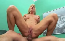 Mature Lady Fucking In The Butt