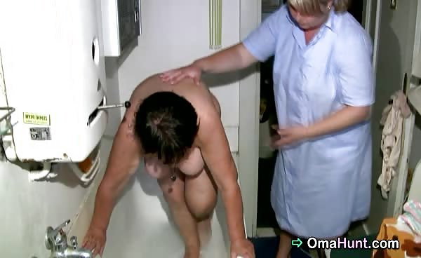Fat Granny Gets Her Hairy Pussy Washed