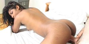 Very Sexy Indian Babe Loves Swollen Cock