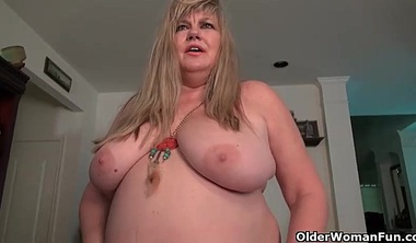 American BBW Jacks Pleasures Her Plump Pussy With Dildo