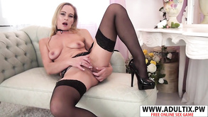 Stunning Milf In Stockings