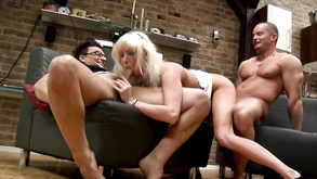 Blond Lady Gets Double Penetration