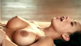 Two Gorgeous Brunettes Having Wondefrul Sex