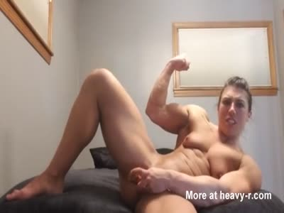 Body Building Female Makes Herself Cum With Dildo