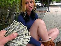 Gorgeous Girl Accept Money A Quick Blowjob