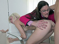 Mom Teaches Inexperienced Teens To Fuck
