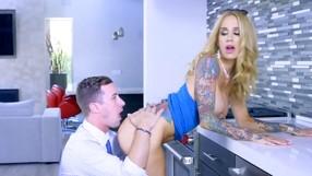 Lovely Blonde Lady Is Getting Her Twat Eaten